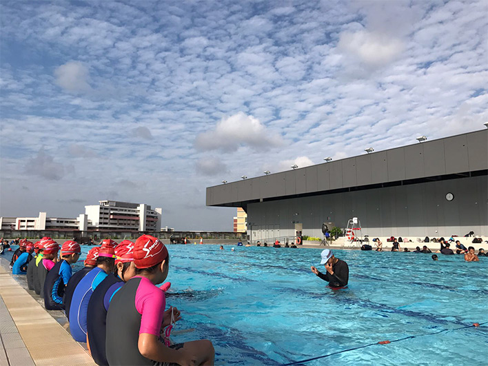 Tampines Swimming Complex - Poolside view