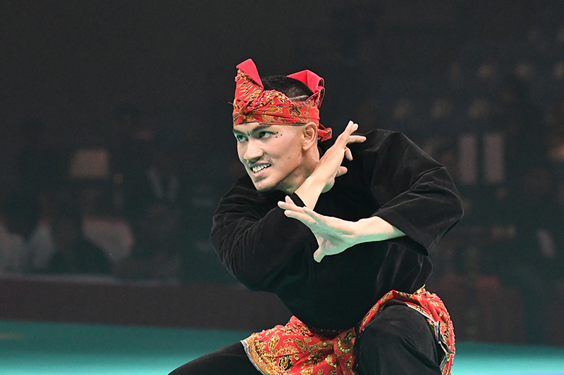 2018 World Pencak Silat Championship - Senior Artistic Tunggal Male Final - Singapore Sports Hub, OCBC Arena, Singapore - December 13, 2018 - Muhammad Iqbal Bin Abdul Rahman (SGP) in action. Photo by Cheah Cheng Poh/SportSG.