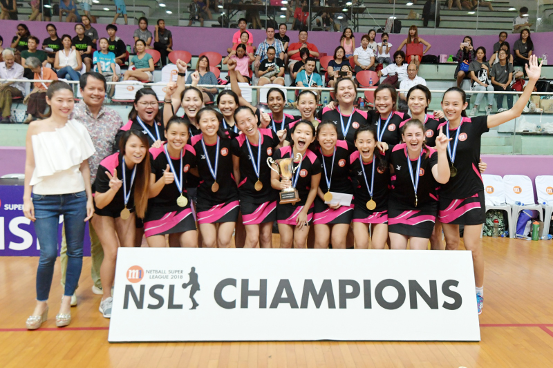 The champions of M1 Netball Super League, Blaze Dolphins. Photo by Lim Sau Boon/SportSG