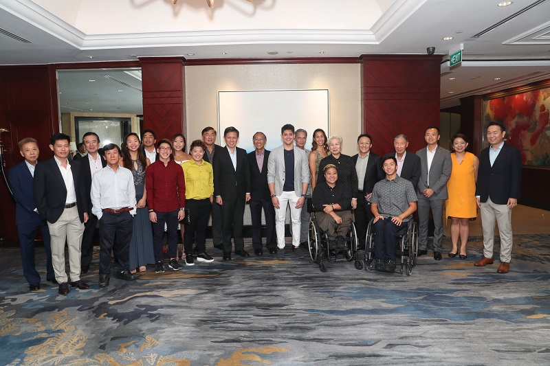 Minister Chan Chun Sing with the Sports Legends and Stars (of past and present)